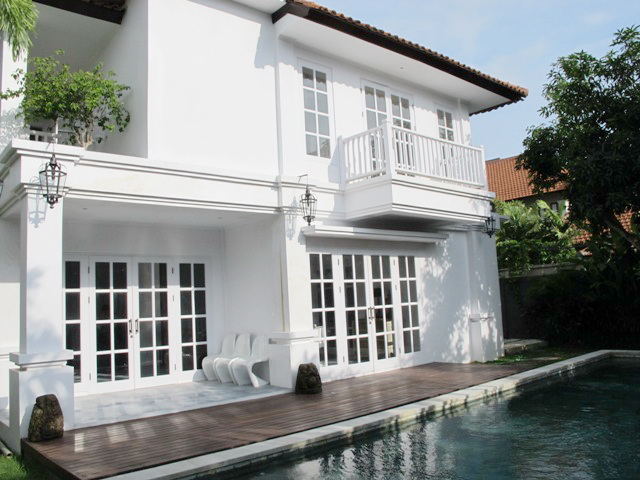 colonial style villa in seminyak ray white kuta. Black Bedroom Furniture Sets. Home Design Ideas
